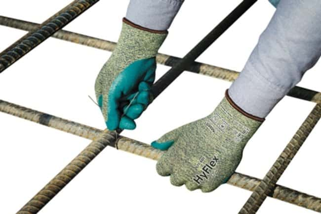 AnsellGuantes de trabajo revestidos de nitrilo de espuma HyFlex™ CR Plus Guantes de trabajo de nitrilo de espuma HyFlex CR Plus, talla 6 AnsellGuantes de trabajo revestidos de nitrilo de espuma HyFlex™ CR Plus