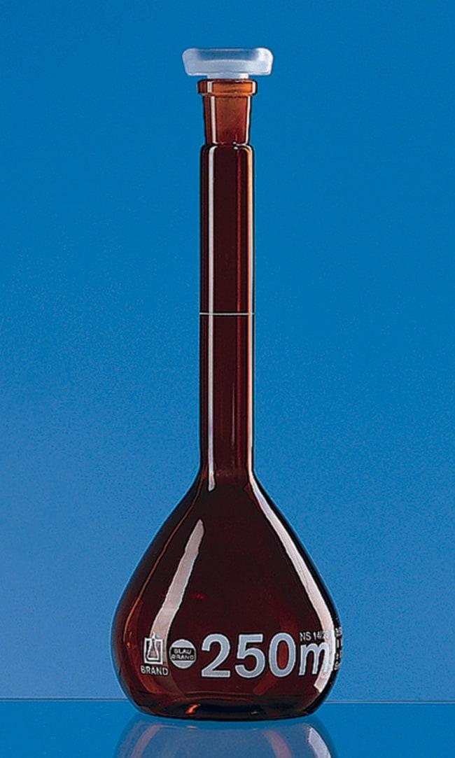 Brand™Blaubrand™ Amber Borosilicate Glass Class A Volumetric Flask Amber; Polypropylene Stopper; Error limit: ±0.04mL Brand™Blaubrand™ Amber Borosilicate Glass Class A Volumetric Flask