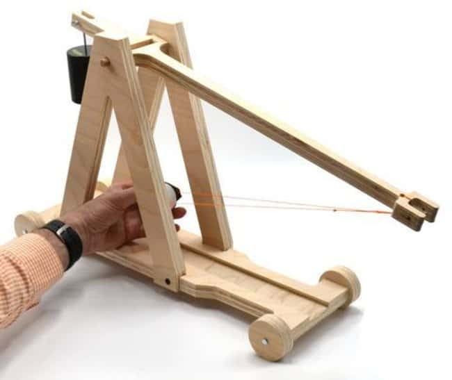 Eisco™ Garage Physics Large Trebuchet DIY Kit <img src=