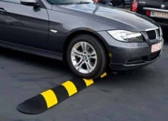 CHECKERSEasy Rider Speed Bump 4 in.:Facility Safety and Maintenance