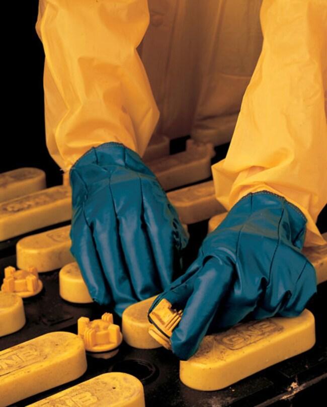 MCR Safety Nitrile Rubber Gloves Dark green hem; Medium:Gloves, Glasses