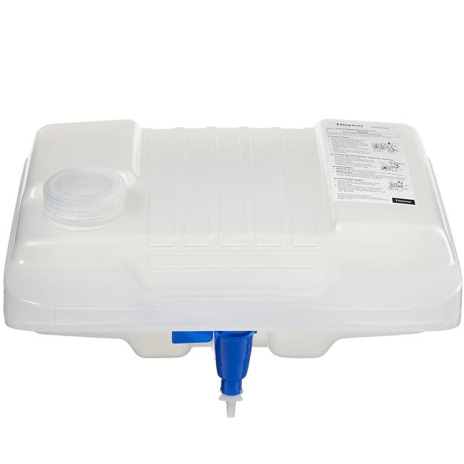 Thermo Scientific™Nalgene™ Autoklavierbare Flachkanister aus Polypropylen-Copolymer (PPCO) mit Hahn 2 gal. (8L) Thermo Scientific™Nalgene™ Autoklavierbare Flachkanister aus Polypropylen-Copolymer (PPCO) mit Hahn