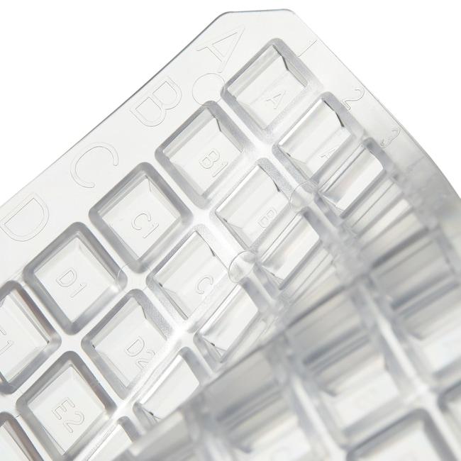 Thermo Scientific™Tapis de scellage 96puits Nunc™ Tapis de scellage 96puits, naturel, non stérile, pour puits carrés; Résistant au DMSO; 50 par boîte voir les résultats