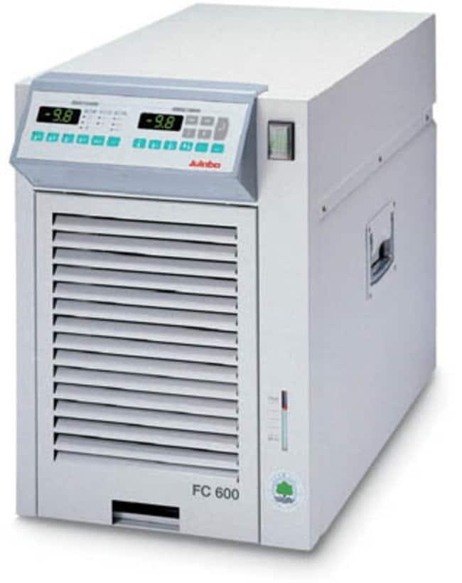 Julabo™Baños de recirculación refrigerados de la serie FC con compresor de aire Capacidad: De 6 a 8l; rango: De -20 a 80C; caudal de la bomba:20l/min; capacidad de refrigeración: 0,21kW a 10C, 0,4kW a 5C, 0,47kW a 10C, 0,6kW a 20C Julabo™Baños de recirculación refrigerados de la serie FC con compresor de aire