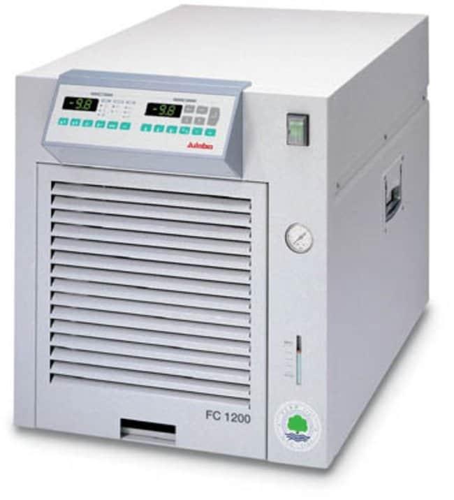 Julabo™Baños de recirculación refrigerados de la serie FC con compresor de aire Capacidad: De 8 a 11l; rango: De -15 a 80C; caudal de la bomba:22l/min; capacidad de refrigeración: 0,26kW a 10C, 0,65kW a 5C, 0,85 kW a 10C, 1,2kW a 20C Julabo™Baños de recirculación refrigerados de la serie FC con compresor de aire