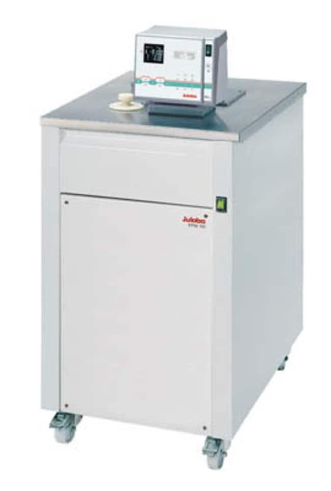 Julabo™HighTech™ Tiefkälteumwälzthermostat zum Heizen und Kühlen, mit Wasserkühlung Capacity: 22L; Range: -90 to 150deg.C; Cooling: 1.8kW at 20deg.C, 1.7kW at 0deg.C, 1.6kW at -20deg.C, 1.35kW at -40deg.C, 0.75kW at -60deg.C, 0.15kW at -80deg.C Julabo™HighTech™ Tiefkälteumwälzthermostat zum Heizen und Kühlen, mit Wasserkühlung