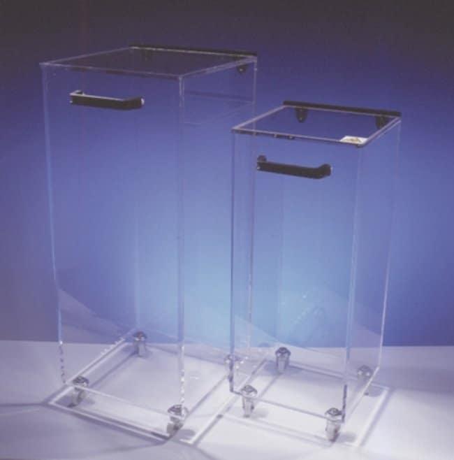 Fisherbrand™Radiation Safety Storage Bins Height: 58cm; Capacity: 47L; With Wheels Contenedores de almacenamiento para material radiactivo