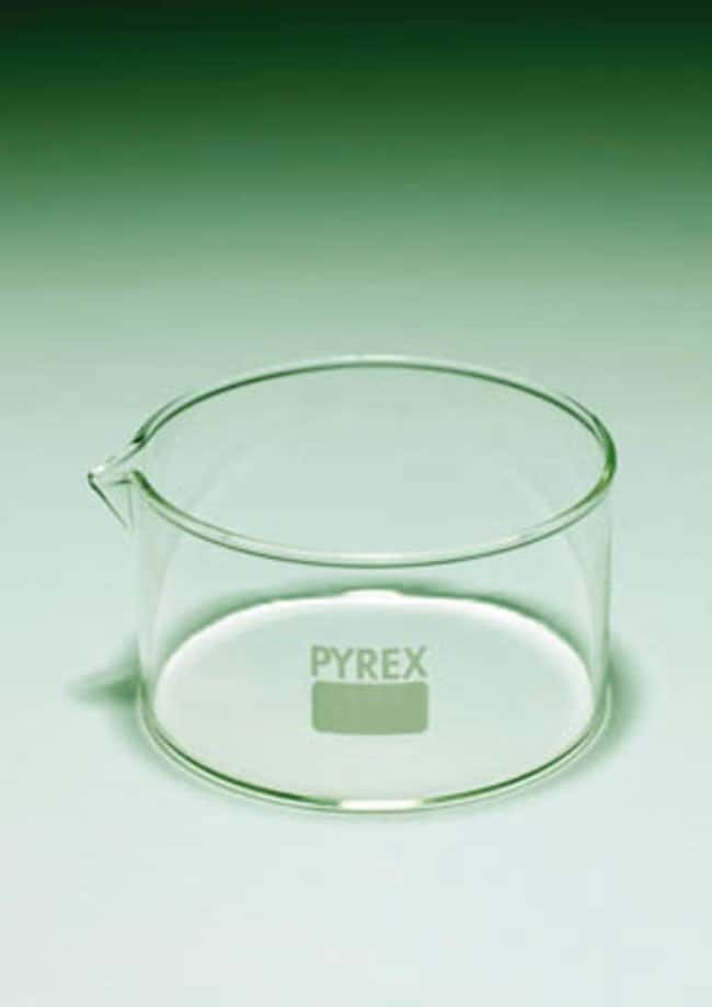 Pyrex™ Crystallizing Dish with Spout Capacity: 500mL; Diameter: 115mm Pyrex™ Crystallizing Dish with Spout