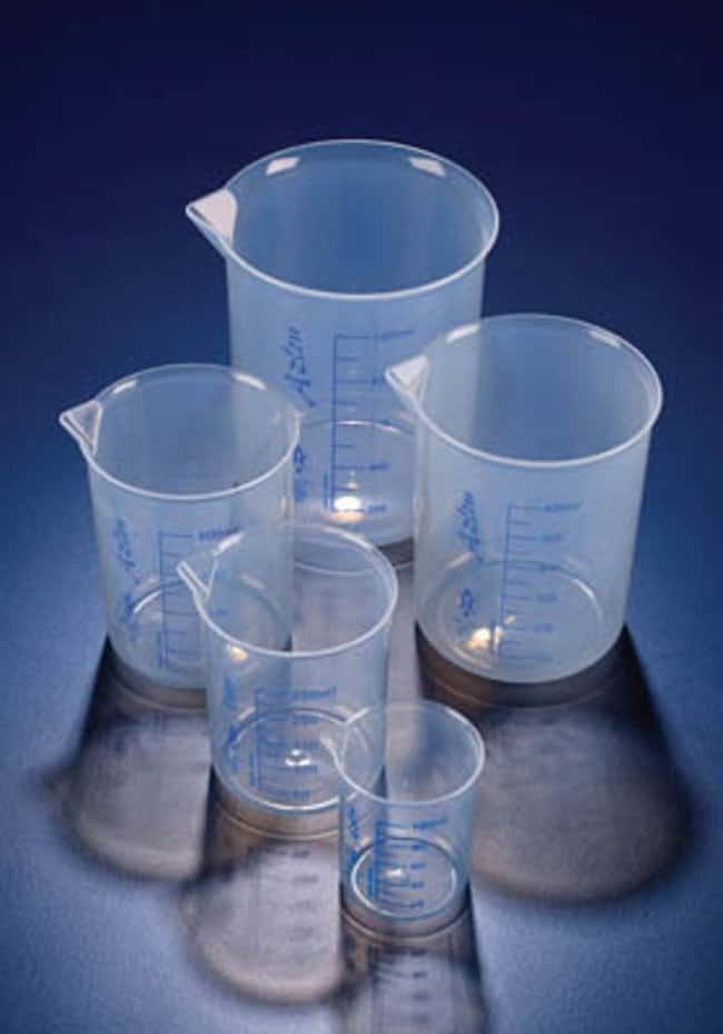 Azlon™ Griffin Style Polypropylene Beakers Capacity: 1000mL; O.D.: 107mm Azlon™ Griffin Style Polypropylene Beakers