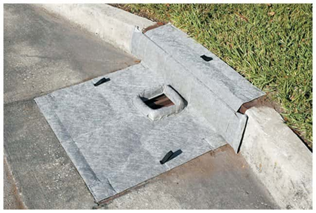 Youngstown Barrel  Curb style; 60.96 x 60.96cm (24 x 24 in.); Sediment:Gloves,