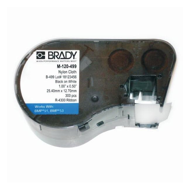 Brady™Kassette für Etikettenmaschine: Nylongewebe Nylon-Stoff; Größe: 12.700 x 25.400mm; mit Etikett am Flaschendeckel (Durchm. 9.525mm); schwarz auf weiß Brady™Kassette für Etikettenmaschine: Nylongewebe