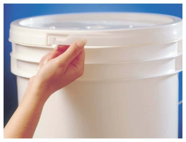Qorpak HDPE Pail Lids Tear Tab; For 3.5, 5, 6 gal. pails; 40/Cs.:Wipes,