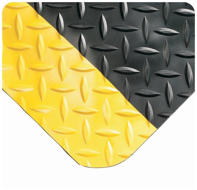 Wearwell Diamond-Plate SpongeCote Mat  L x W: 10 x 3 ft.; Color: black/yellow;