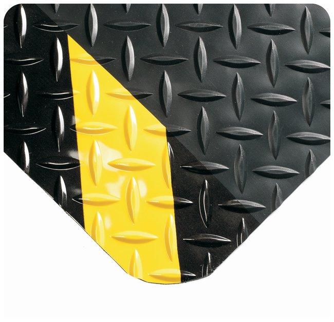 Wearwell Diamond-Plate SpongeCote Mat L x W: 5 x 3 ft.; Color: black/chevron