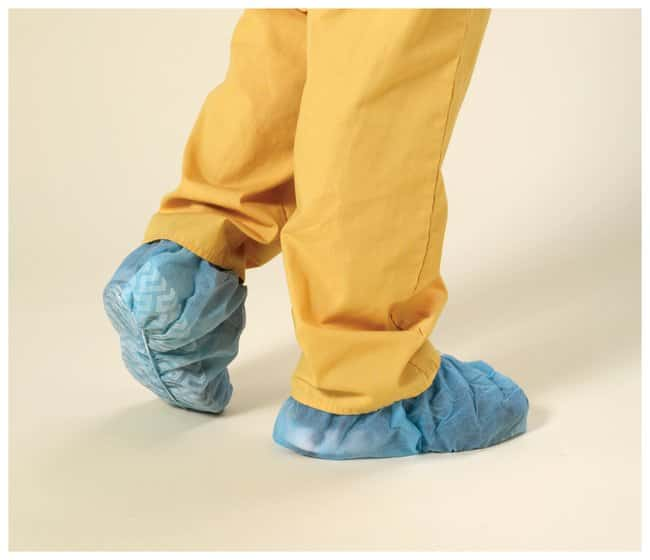 High Five Spunbond Polypropylene Shoe Covers with Tread Universal; Bulk:Gloves,
