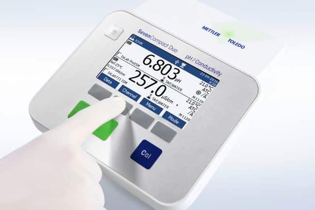 METTLER TOLEDO™ SevenCompact™ S220 pH Benchtop Meter: Electrochemistry pH and Electrochemistry
