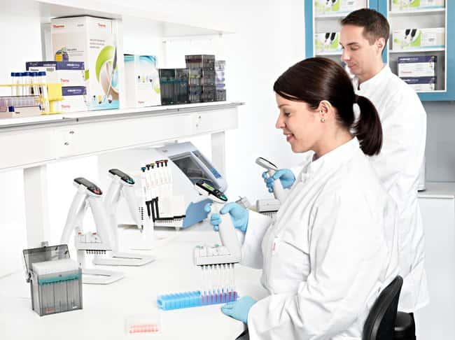 Thermo Scientific™E1-ClipTip™ Bluetooth™ Electronic Adjustable Tip Spacing Multichannel Equalizer Pipettes: Pipettes Pipets, Pipettes and Tips