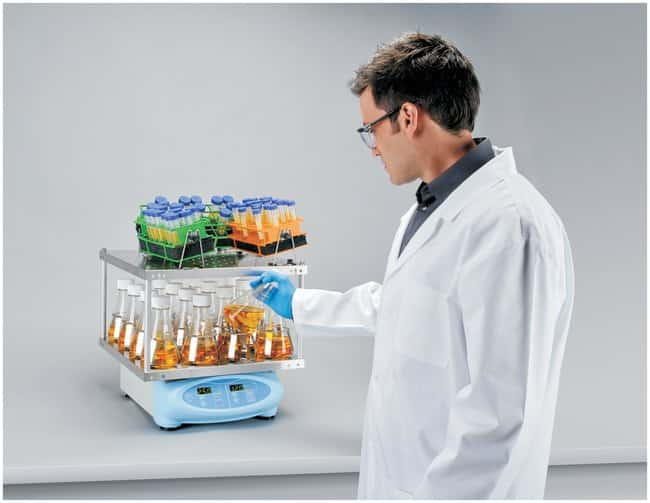 Thermo Scientific MaxQ 2000 and 3000 Benchtop Orbital Shakers ::