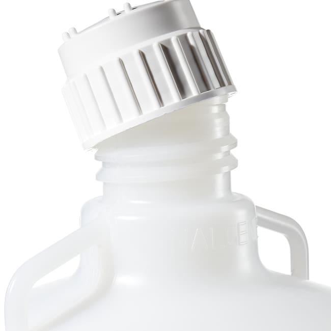 Thermo Scientific™Bonbonnes autoclavables en polypropylène Nalgene™ avec robinet: Bonbonnes Béchers, flacons, éprouvettes et verrerie